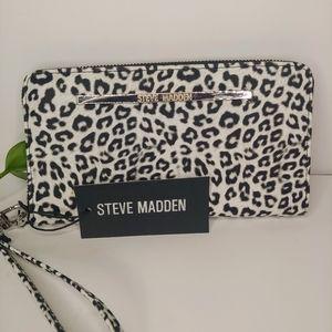 Steve Madden B/W Animal Print Wallet